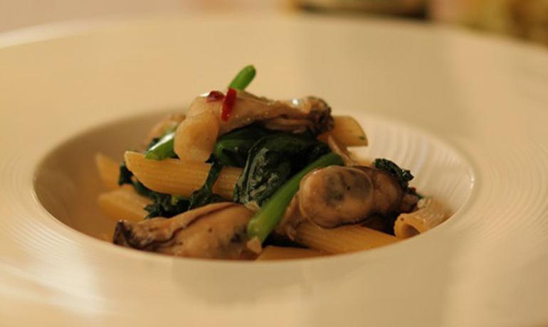 牡蠣とほうれん草のおつまみパスタ1