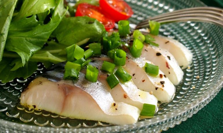 オリーブオイルとしめ鯖のイタリアン風