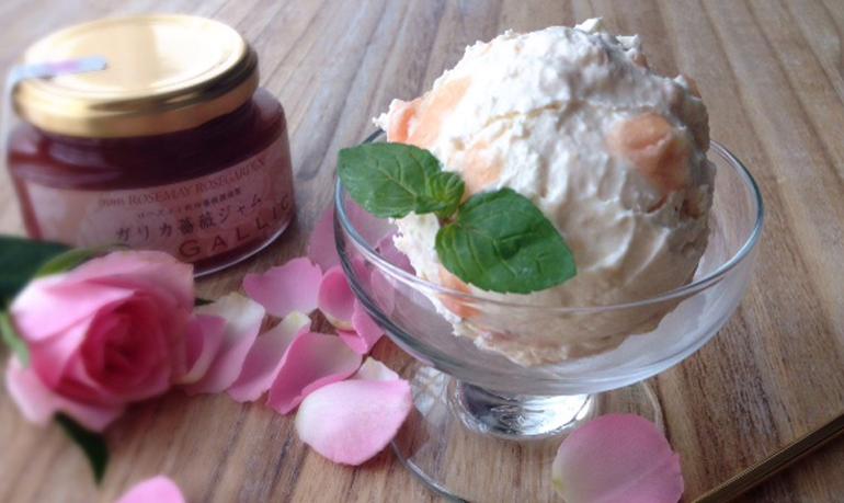 薔薇ジャムとクリームチーズのアイス