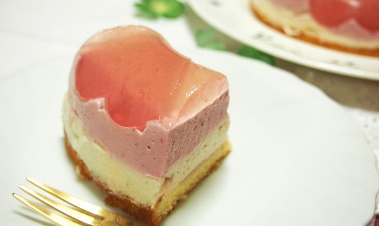 かわいい薔薇ジャムのババロアケーキ