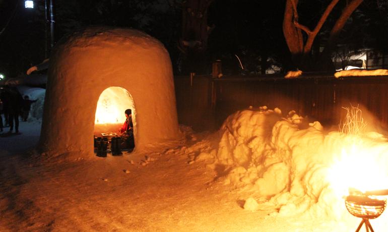 寒い冬を楽しむ秋田の雪祭り