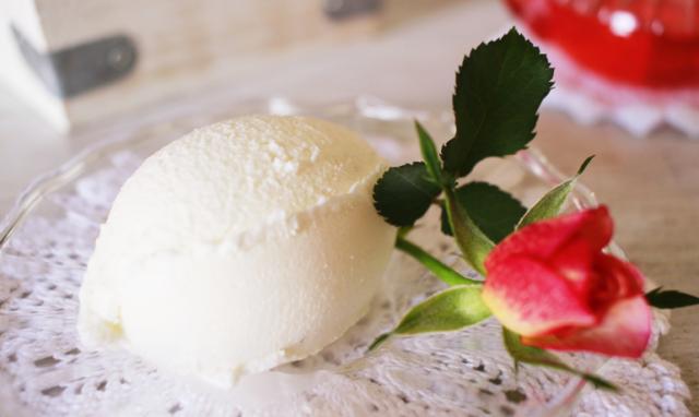 薔薇香るさわやかなローズアイス