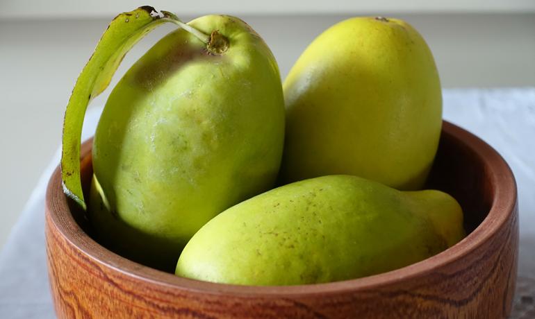 秋に出回る「花梨」の食べ方と気になる栄養は?